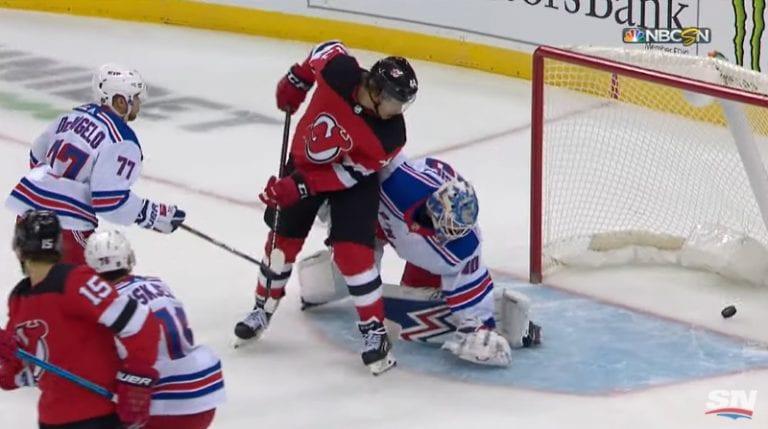 Video: Jack Hughes sai ensimmäisen NHL-tehopisteensä – Devils kaatoi Rangersin