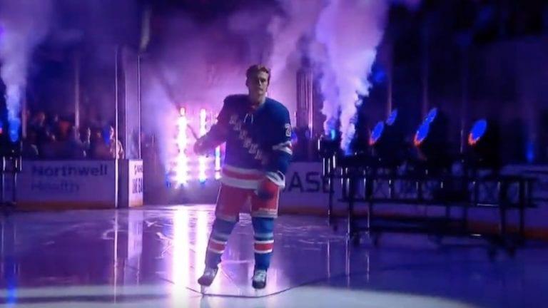 Video: Lias Anderssonin NHL-kausi sai nolon startin – veti pannut kesken esittelyn