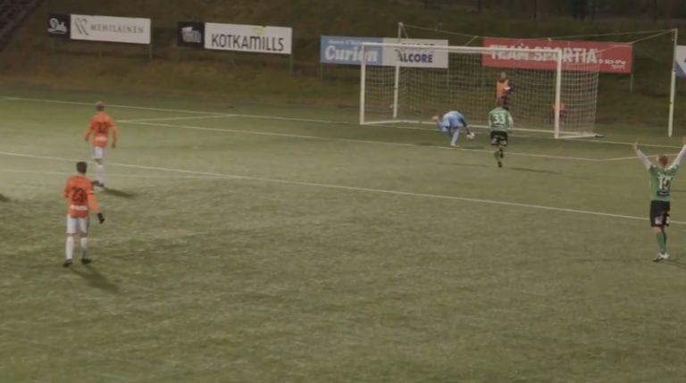 Video: TPS-juniorille karmea debyytti edustuksessa – pallo nolosti omiin ensimmäisellä kosketuksella