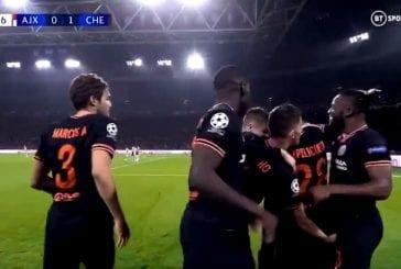 Video: Jorginho juhli maalia hämmentävästi - tarttui Michy Batshuayita haaroista