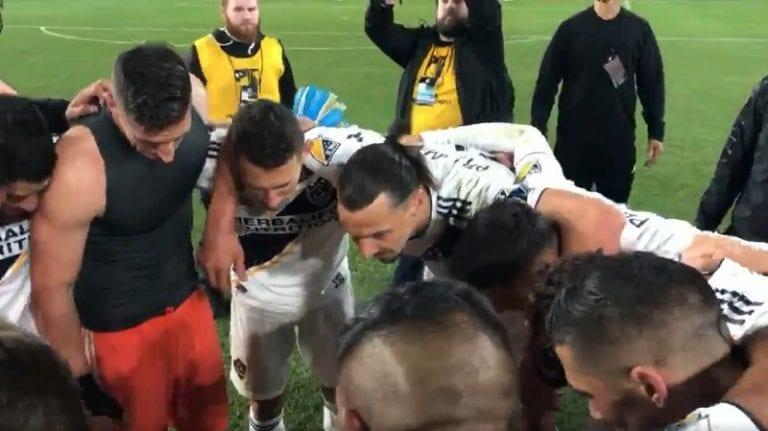 """Video: Zlatan Ibrahimovic piti palopuheen LA Galaxylle playoff-voiton jälkeen – """"Tuhoamme kaikki!"""""""