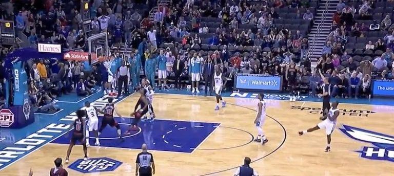 Video: Chicago Bulls teki täysin sairaan viimeisen minuutin nousun NBA:ssa