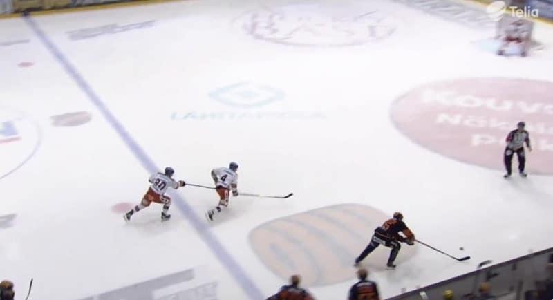 Video: Tapparan Niko Ojamäeltä huikea oivallus – antoi joukkuekaverilleen vauhtia ja esti vastustajan hyökkäyksen