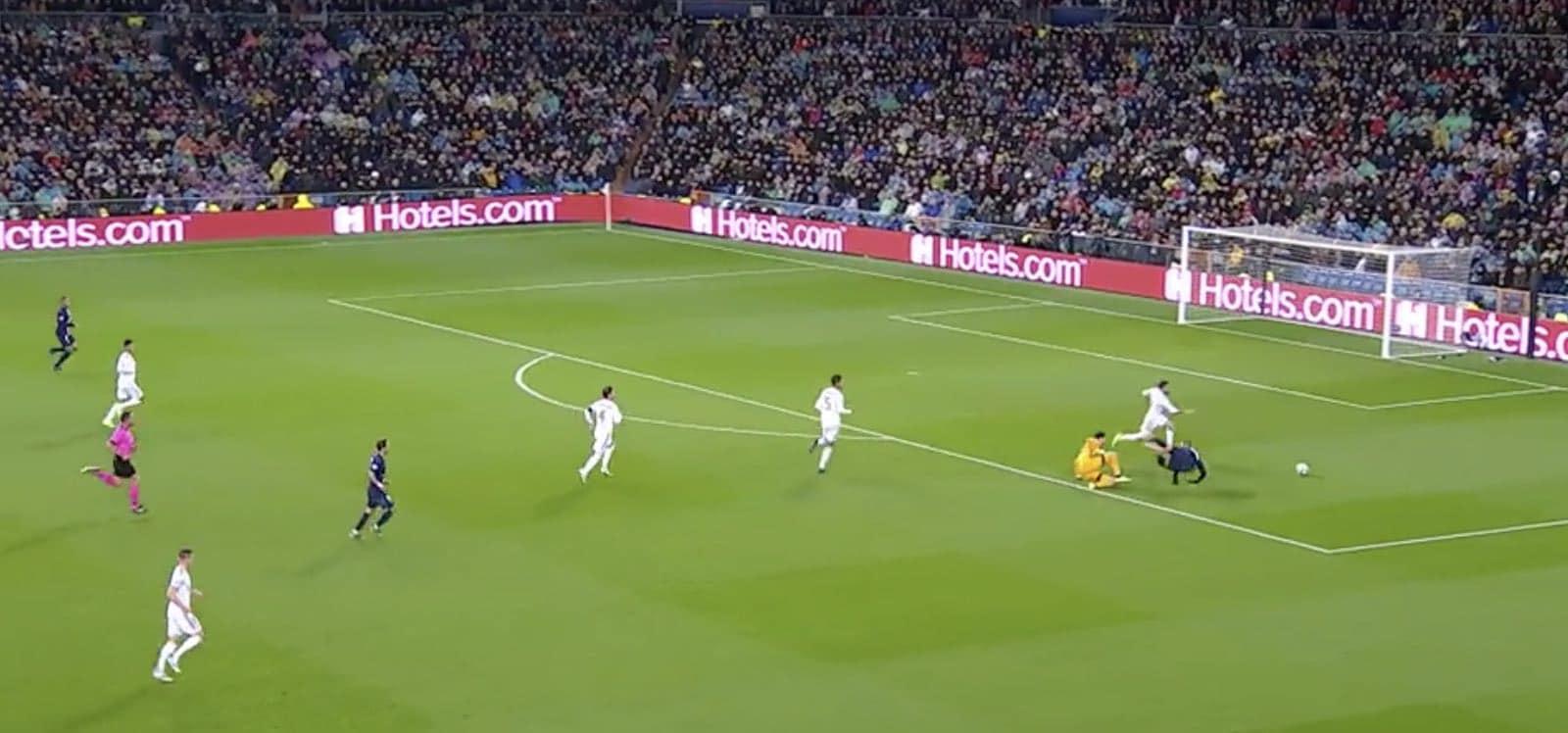 Video: VAR hylkäsi Real-vahti Thibaut Courtoisin punaisen ja rankkarin – kokiko PSG vääryyttä?
