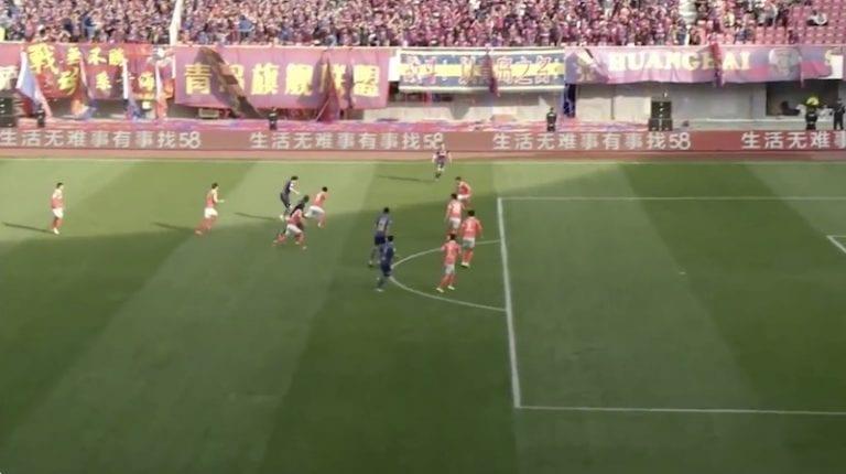 Video: Yaya Toure nappasi punaisen kortin 10 sekunnin pelin jälkeen
