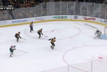 Video: Boston jäätyi herkkupaikassa - 3 vs 0 -hyökkäys meni neppailuksi