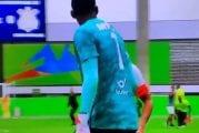 Video: Brasilian U20-matsissa älytöntä menoa - Corinthiansin pelaajat kävivät vastustajan maalivahdin kimppuun