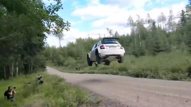 Video: Brittimedia hehkutti Kalle Rovanperän hurjaa suoritusta viime kesältä
