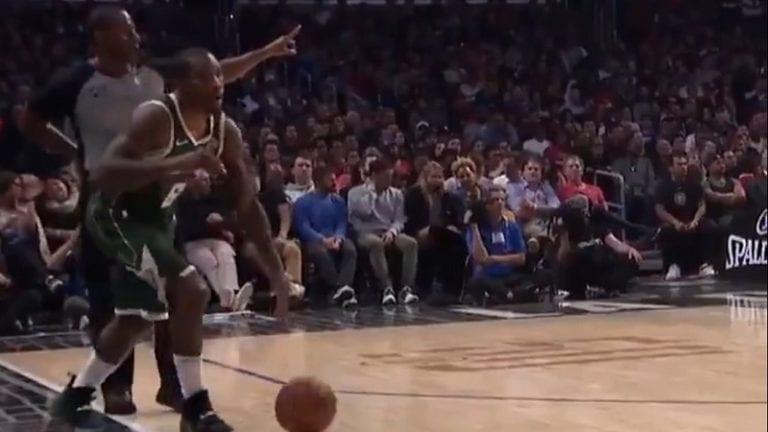Video: NBA-pelaaja jäätyi nolosti ja unohti perussäännön – lähti sivurajalta kuljettamaan