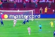 Video: Tottenham teki täysin mielipuolisen maalin - pallo pomppi ja kimpoili kuin flipperissä