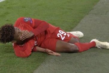 Video: Bayern Münchenin Kingsley Coman loukkaantui eriskummallisella tavalla – polvi taittui karmean näköisesti