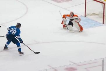 Video: Patrik Laine yllätti Flyersin - syötti läpiajosta, hämmentynyt pakki suti kiekon koomisesti omiin