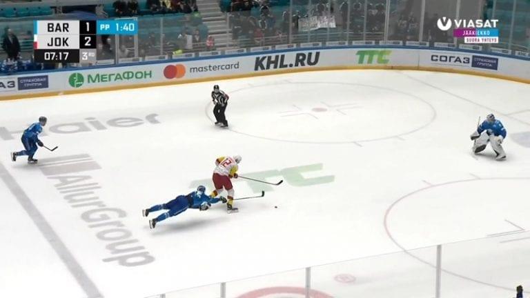 """Video: """"Mörkö"""" löi tylysti sisään alivoimalla – Marko Anttila johdatti Jokerit voittoon Barysista"""