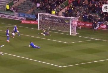 Video: Huikea tapahtumaketju FA Cupissa - Anssi Jaakkolan upeat torjunnat, käsivirheitä ja uskomaton moka