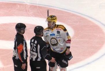Video: Ilkka Pikkarainen mesosi itselleen ulosajon Mestiksessä - sortuiko tuomari ylireagointiin?