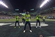 Video: Seattle Seahawks pisti jalalla koreaksi - touchdownia juhlistettiin tanssikoreografialla