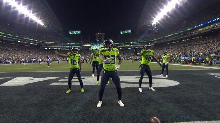 Video: Seattle Seahawks pisti jalalla koreaksi – touchdownia juhlistettiin tanssikoreografialla