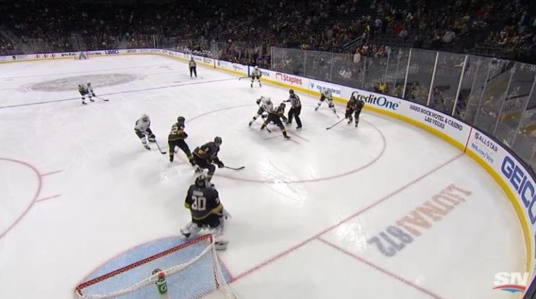 Video: NHL:ssä huikea maali – Adrian Kempe osui suoraan aloituksesta