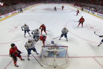 Video: NHL:ssä nähtiin maaginen osuma, joka kuitenkin hylättiin - Colin White puski kiekon hallitusti päällään maaliin
