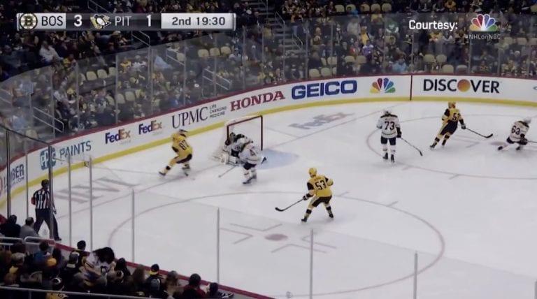 Video: Sidney Crosby tarjoili aivan jäätävän passin jalkojensa välistä – Teddy Blueger pääsi nautiskelemaan