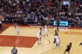 Video: Toronton Kyle Lowry upotti kauden omituisimmalla heitolla kolmosen säkkiin