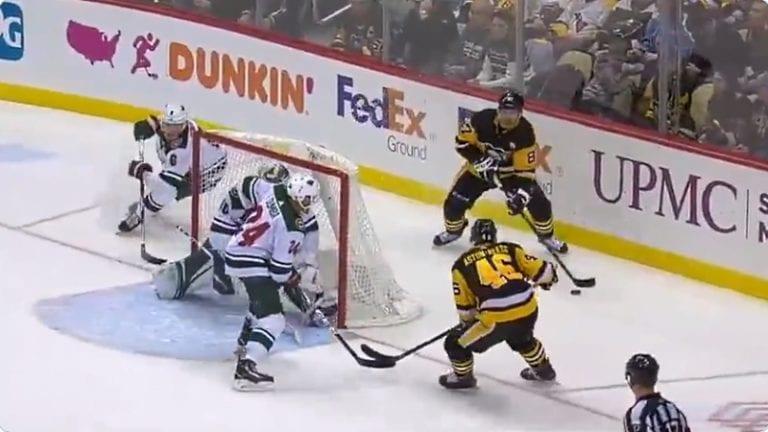 Video: Sidney Crosbylta maaginen suoritus – vei Wild-pakin huikealla tavalla kahville ja jakeli perään maalisyötön