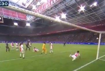 Video: Ajax-pakki haastaa veskarit vuoden torjunnan tittelistä - huikea puskupelastus maaliviivan tuntumasta