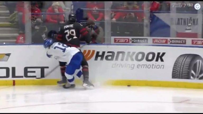 Video: Kanadan Nolan Foote ajettiin ulos jo 53 sekunnin jälkeen – kohdistuiko taklaus päähän?