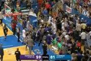 Video: NCAA-koripallomatsi päättyi joukkotappeluun - rähinä levisi liikuntarajoitteisten katsojien keskelle