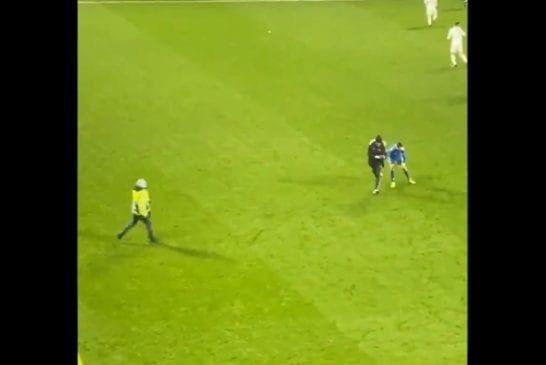 Video: Kentälle juossut fani sai tylyä kohtelua Cristiano Ronaldolta