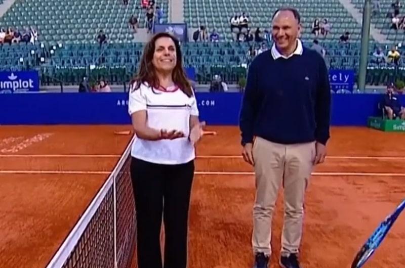 Video: Kolikonheitto meni aivan reisille ATP-matsissa – nainen ei meinannut millään tajuta homman jujua