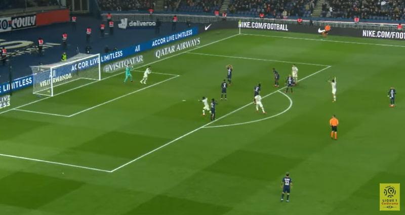 Video: PSG:n maalivahdilta karmea kämmi – purkupallo vastustajan kautta suoraan omiin