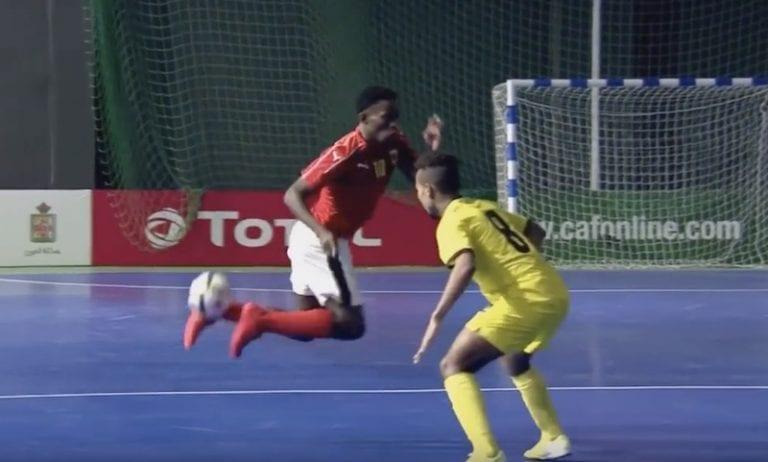 Video: Afrikan futsalin mestaruuskisoissa nähtiin nöyryyttävän upea maali