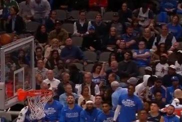 Video: Pallo päätyi hankalaan paikkaan NBA:ssa - jättiläismäinen Boban Marjanovic pelasti tilanteen