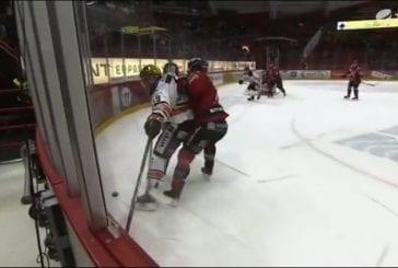 Video: HPK:n Cody Kunyk kaatui, kun maila jäi laidan väliin - tuomari passitti Ässä-pakin jäähylle