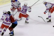 Video: Joonas Donskoi joutui törkytaklauksen uhriksi – Rangers-hyökkääjä niittasi kiekottoman suomalaisen