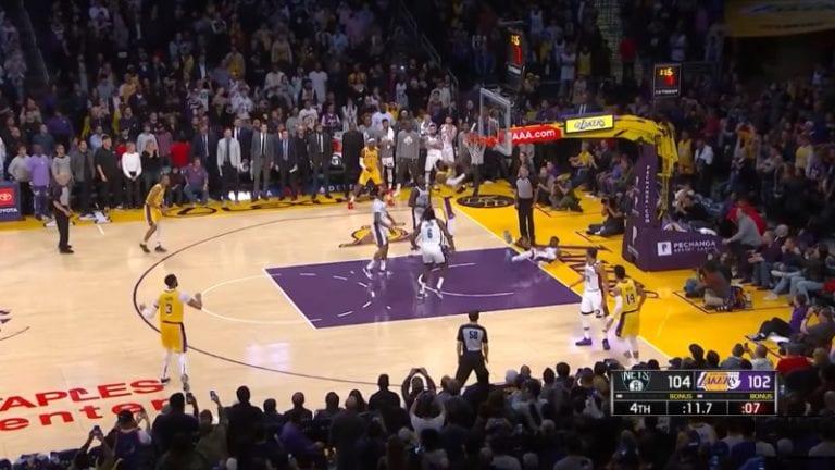 Video: LeBron Jamesilta hämmentävä moka – missasi loppuhetkien ratkaisukorin