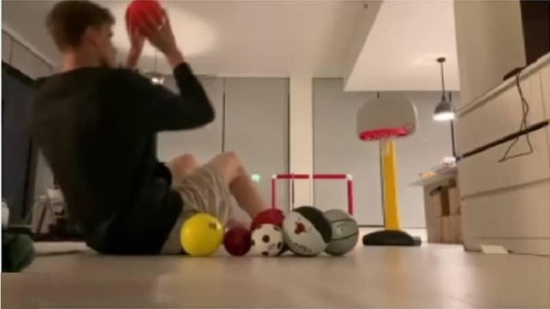 """Video: Lauri Markkanen keksi ovelan karanteeniharjoitteen – """"Sillä lailla!"""""""
