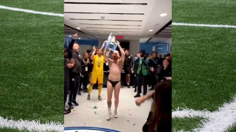 Video: Manchester City voitti liigacupin – huoltaja varasti show'n koppijuhlissa