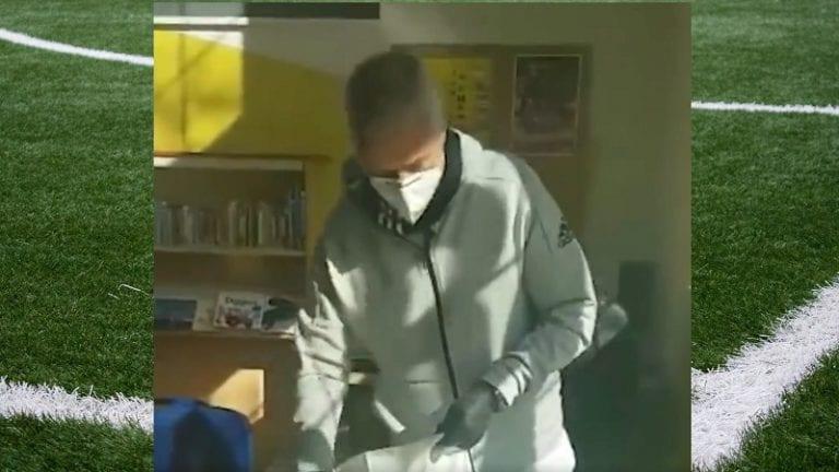 Video: Jose Mourinho käytti vapaa-aikaansa esimerkillisesti – kuljetti ruokaa vanhuksille