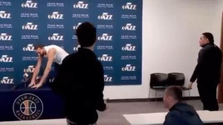 Video: NBA-pelaaja pilkkasi koronaviruspaniikkia – sai itse tartunnan ja liiga pisti koko kauden jäähylle