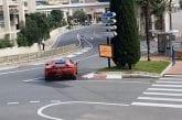 Video: Charles Leclerc pääsi hurjastelemaan Ferrarin superautolla Monacon suljetuilla kaduilla