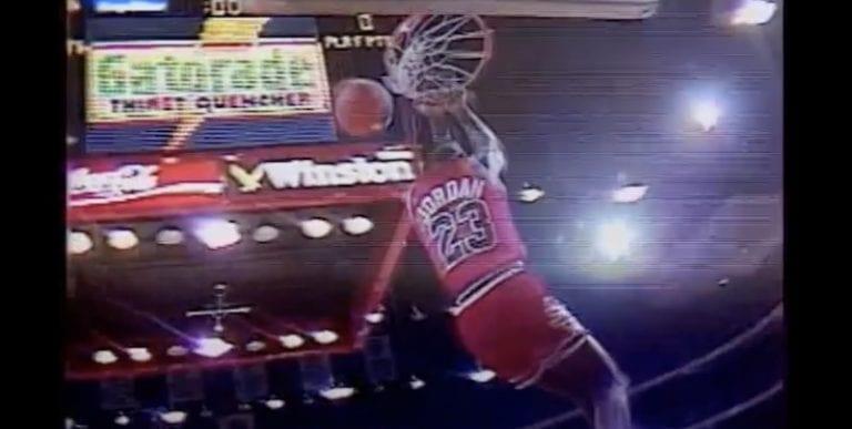 Klassikkovideo: Michael Jordan murskasi korilevyn palasiksi donkillaan näytösottelussa