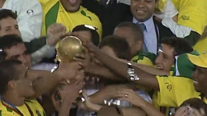Edilson Brasilia 2002 väitteet / Pallomeri.net