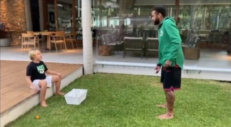 Video: Neymar pilaili poikansa kustannuksella – härski källi kesken puskuharjoitusten