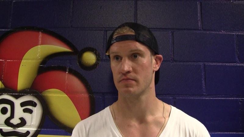 """Ossi Väänänen paljasti tulokaskaudeltaan nolon episodin NHL-legendan kanssa – """"You're f***ed up, kid!"""""""