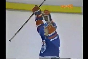 Klassikkovideo: Risto Siltanen pommitti hurjan lämärin NHL:ssä - kiekko meni maalin läpi