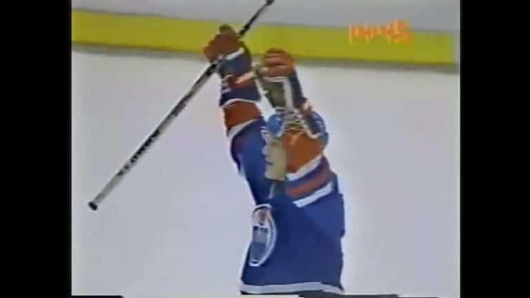 Klassikkovideo: Risto Siltanen pommitti hurjan lämärin NHL:ssä – kiekko meni maalin läpi