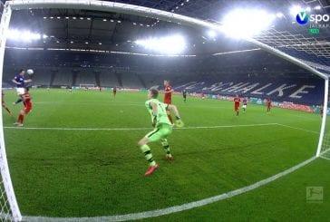 Video: Lukas Hradecky pelasti Leverkusenille pisteen - maaginen venytys ottelun viime sekunnilla