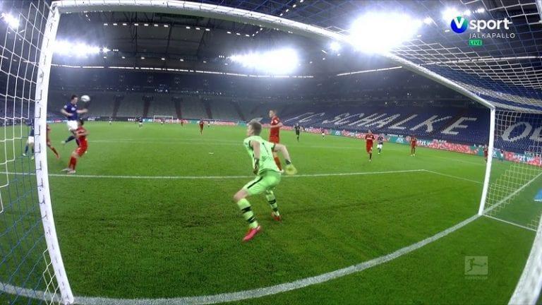 Video: Lukas Hradecky pelasti Leverkusenille pisteen – maaginen venytys ottelun viime sekunnilla